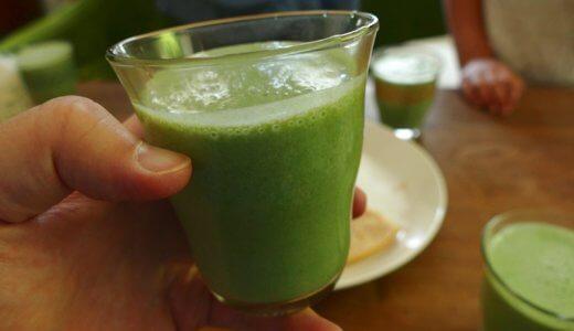 最近、キウイをまとめ買いしたくてしょうがない青汁スムージー。