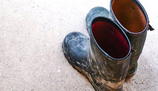 子どもの身だしなみチェックは、靴をはくまで油断ならない。
